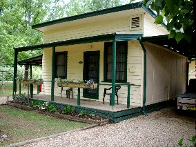 Pioneer Garden Cottages - Accommodation Noosa