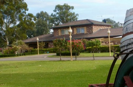 Carriage House Motor Inn - Accommodation Noosa