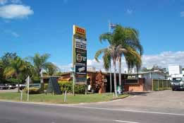 Queens Beach Motor Hotel - Accommodation Noosa