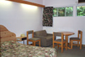 Le Cavalier Court Motel - Accommodation Noosa