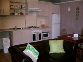 Little Para Cottage - Accommodation Noosa