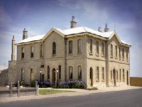 The Customs House - Accommodation Noosa