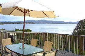 Waterfront on Georges Bay - Accommodation Noosa