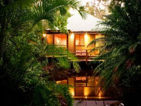 Hunchy Hideaway - Accommodation Noosa