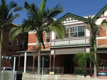 Maclean Hotel - Accommodation Noosa