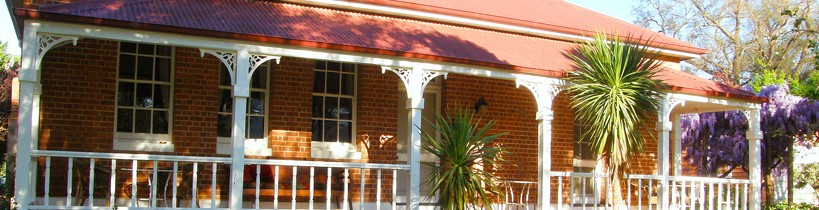 Araluen Old Courthouse Bed and Breakfast - Accommodation Noosa