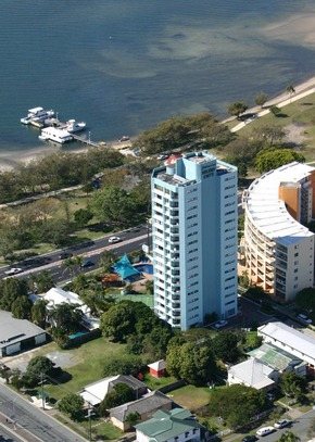Palmerston Tower - Accommodation Noosa
