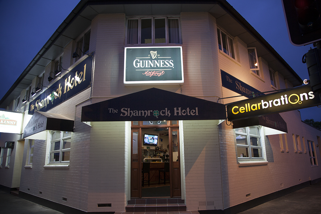 Shamrock Hotel - Accommodation Noosa