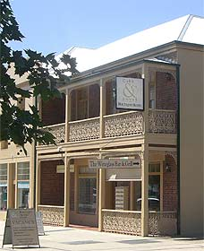 Cobb  Co Court Boutique Hotel - Accommodation Noosa