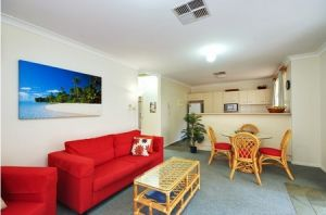 Beaches Serviced Apartments - Accommodation Noosa