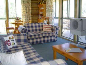 Myrtle Creek Cottages - Accommodation Noosa