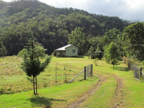 Eighteen Mile Cottage and Homestead - Accommodation Noosa