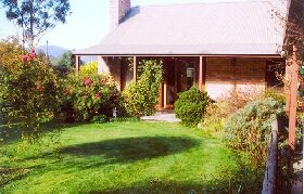 Canowindra Cottage - Accommodation Noosa
