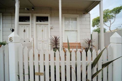 Emerald Inn - Stay Innercity - Accommodation Noosa