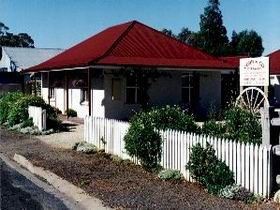 Cobb amp Co Cottages - Accommodation Noosa
