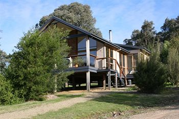 Yering Gorge Cottages by The Eastern Golf Club - Accommodation Noosa