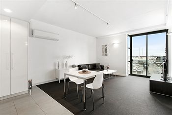 Docklands Private Collection of Apartments - Digital Harbour - Accommodation Noosa