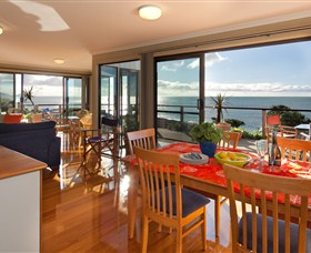 Boat Harbour Beach House - The Waterfront - Accommodation Noosa