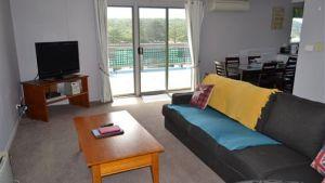 House on the Hill Port Campbell - Accommodation Noosa