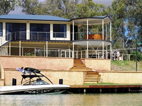 Cascades on the River - Accommodation Noosa