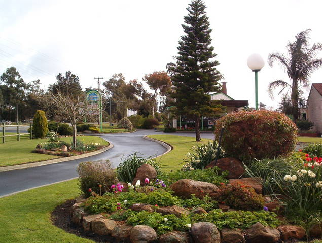 Mount Barker Valley Views Motel and Chalets - Accommodation Noosa