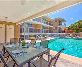 Copacabana Shores Beachside Accommodation - Accommodation Noosa