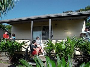 Canton Beach Waterfront Tourist Park - Accommodation Noosa