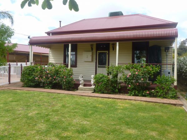 Country Cottages BB - Accommodation Noosa