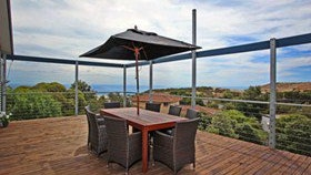 Coral Sands Seaview Beach House - Accommodation Noosa