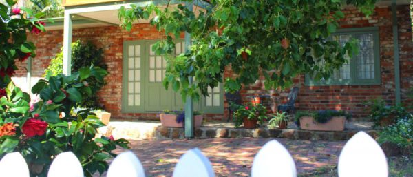 Kalamunda Carriages and Three Gums Cottage - Accommodation Noosa
