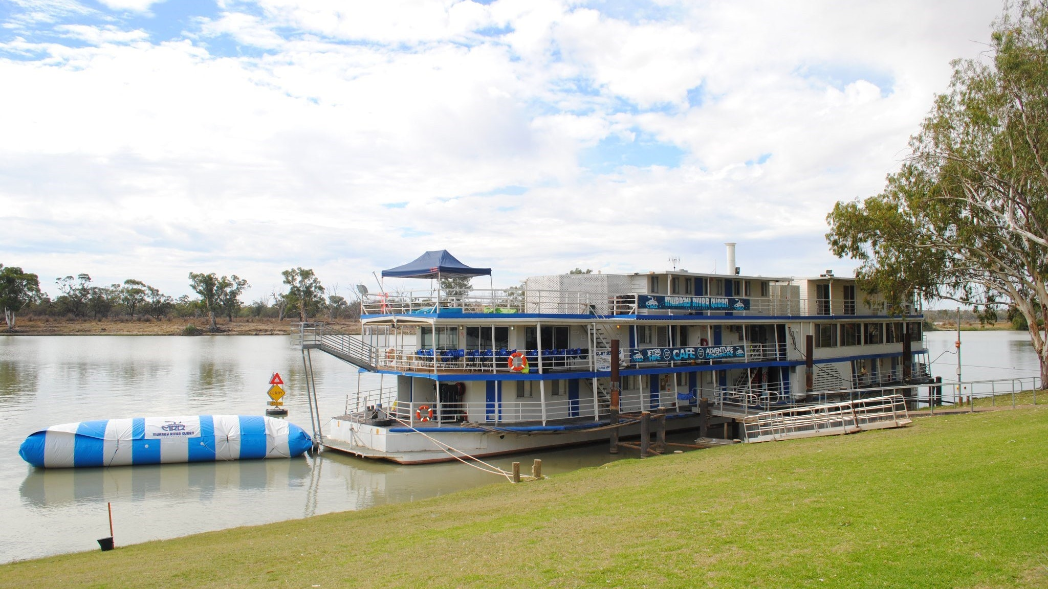 Murray River Queen Backpackers - Accommodation Noosa