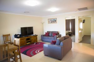 Scone Motor Inn and Apartments - Accommodation Noosa