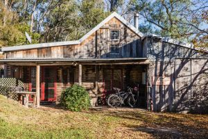 The Boiling Billy Barn - Accommodation Noosa