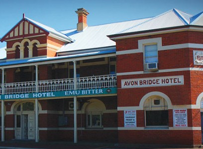 Avon Bridge Hotel - Accommodation Noosa