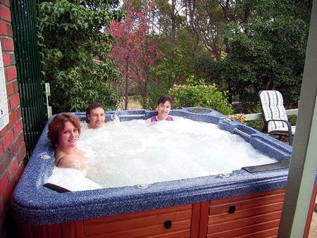 Falls Retreat Bed And Breakfast - Accommodation Noosa