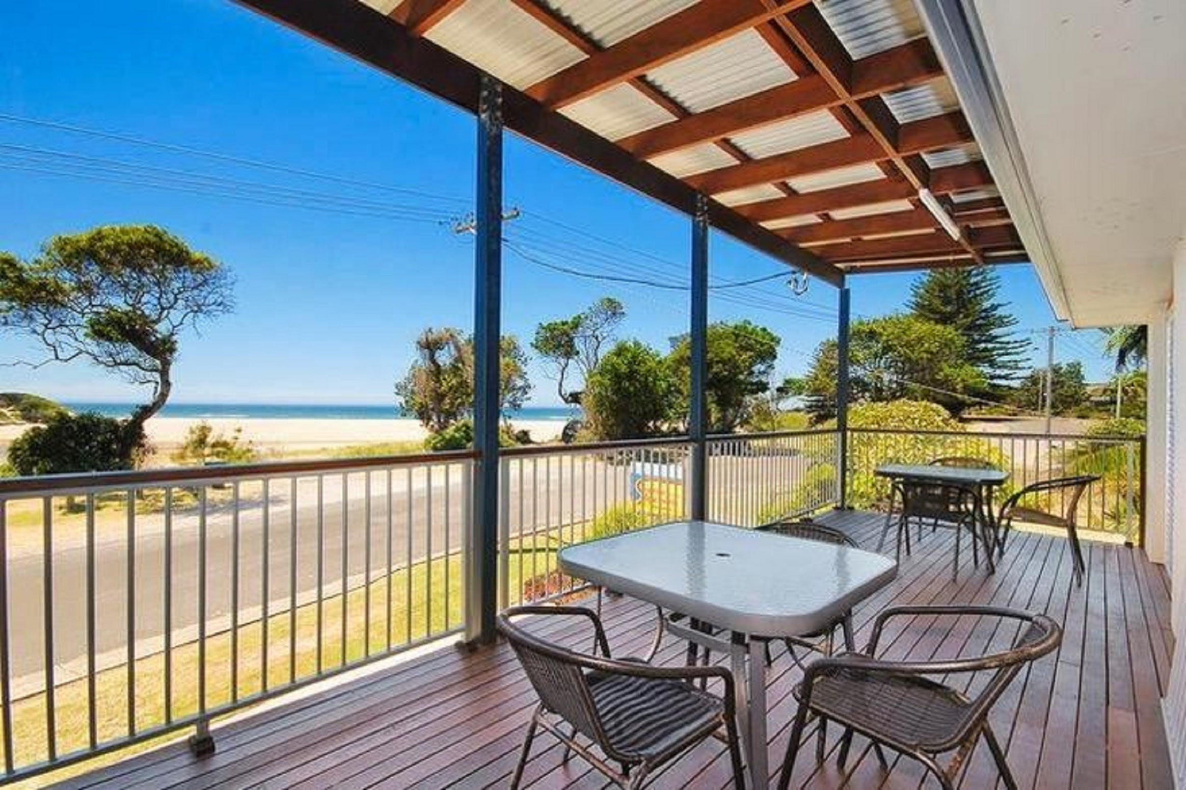 Seascape Holiday Apartments Lake Cathie - Accommodation Noosa