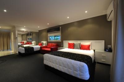 The Gateway Village Holiday Park - Accommodation Noosa