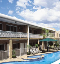 Macarthur Inn - Accommodation Noosa