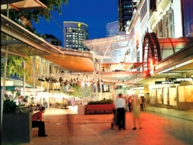 Queen Street Mall - Accommodation Noosa