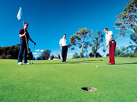 Oatlands Golf Course - Accommodation Noosa