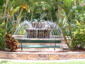 Bauer and Wiles Memorial Fountain - Accommodation Noosa