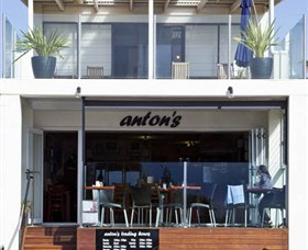 Antons - Accommodation Noosa