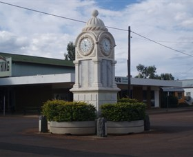 Barcaldine War Memorial Clock - Accommodation Noosa