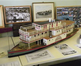Wentworth Model Paddlesteamer Display - Accommodation Noosa