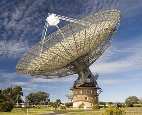 CSIRO Parkes Radio Telescope - Accommodation Noosa