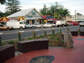 Maleny Handicraft Markets - Accommodation Noosa