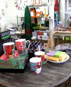 The Famous Tinonee Cafe and Gift Shop - Accommodation Noosa