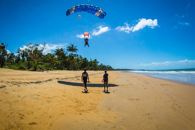 Beach Skydive from up to 15000ft over Mission Beach - Accommodation Noosa