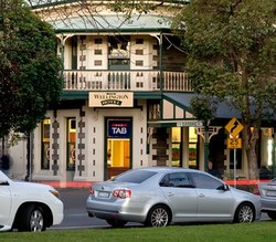 The Wellington Hotel - Accommodation Noosa