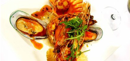 Lively Catch Seafood Restaurant - Accommodation Noosa